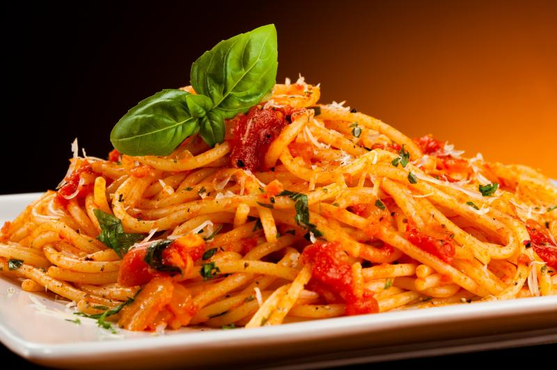 pasta-with-tomato-sauce-and-parmesan