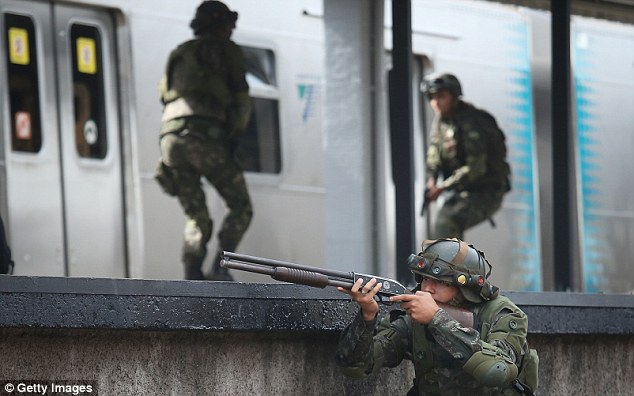 Brazilian soldiers conducting counter-terrorism drills