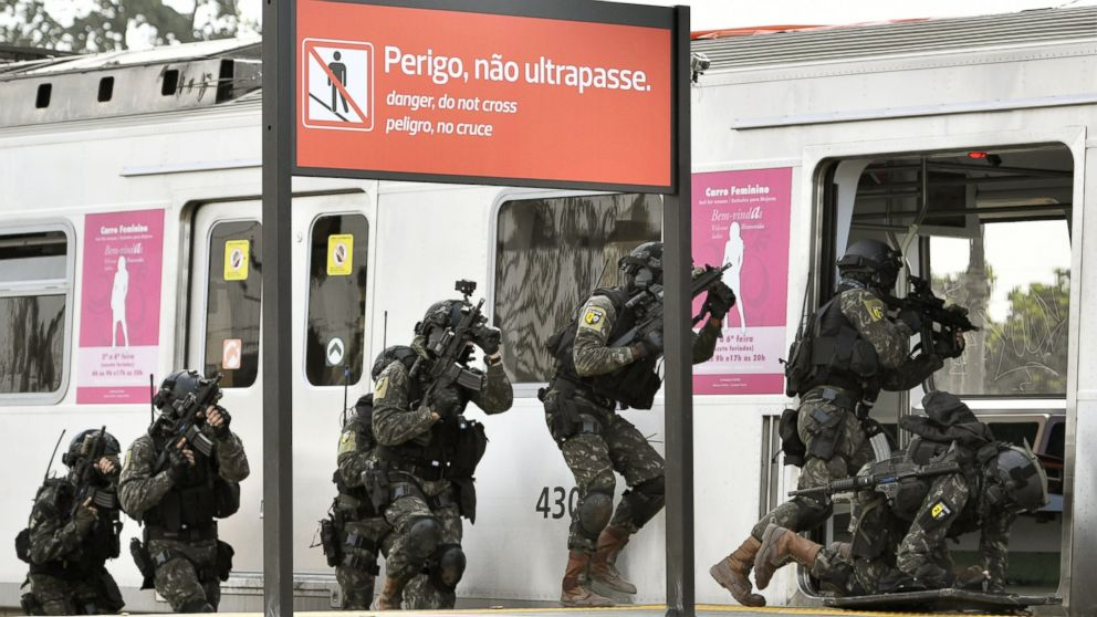 Nc_soldiers-_police_conduct_anti-terror_drills_in_Rio_de_Janeiro_er_160719_16x9_992