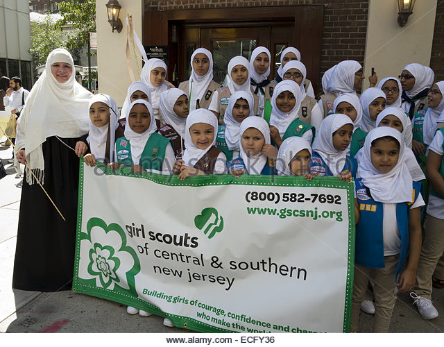 girl-scout-troop-from-central-and-southern-new-jersey-prepares-to-ecfy36
