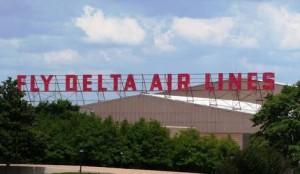 delta_world_hq_-_fly_delta_air_lines_sign-300x174