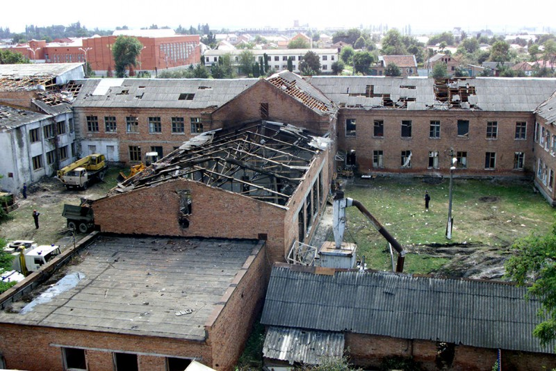 beslan-school-hostage-crisis-masscare-2004-e1410213479421