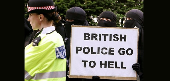 Will allowing police officers to wear burqas stop Muslims from hating the police?
