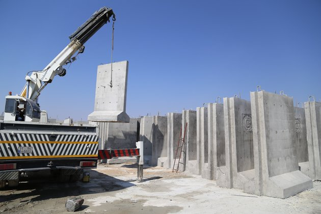 TURKEY is building a 3-meter high and 2-meter width wall along the Turkish-Syrian borderline to prevent smuggling, illegal migration and possible attacks from Syria