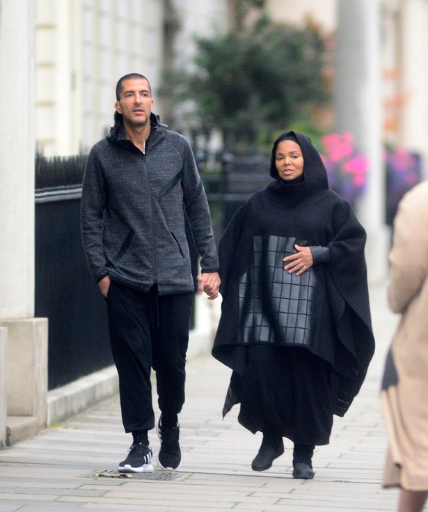 pay-heavily-pregnant-janet-jackson-3