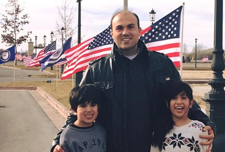 saeed-abedini-with-his-2-children
