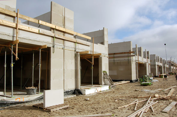 britian-housing-prefabricated-homes-703520