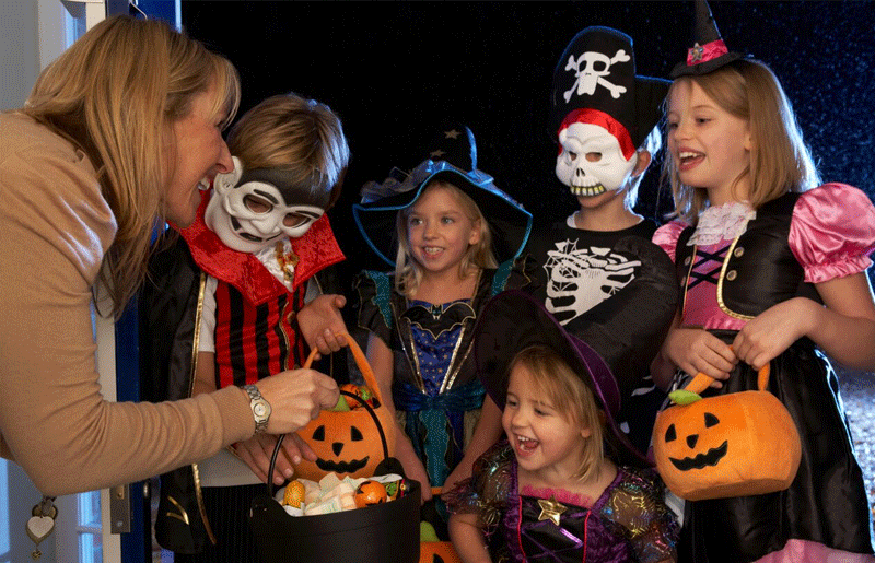 trick-or-treating-in-dubai-4